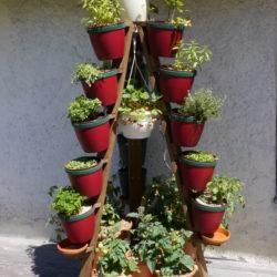 Pflanzturm mit Boden